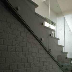 перегородка стекло лестница