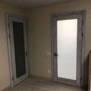 матовое стекло двери